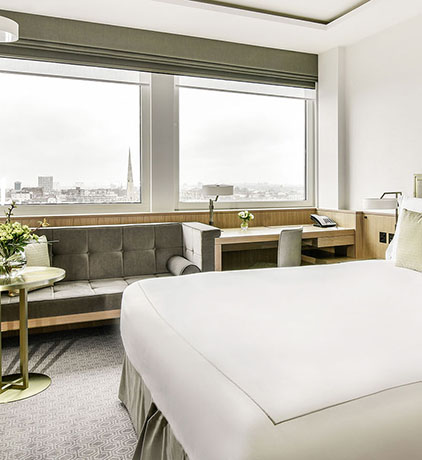 Classic luxury hotel rooms near Hyde Park