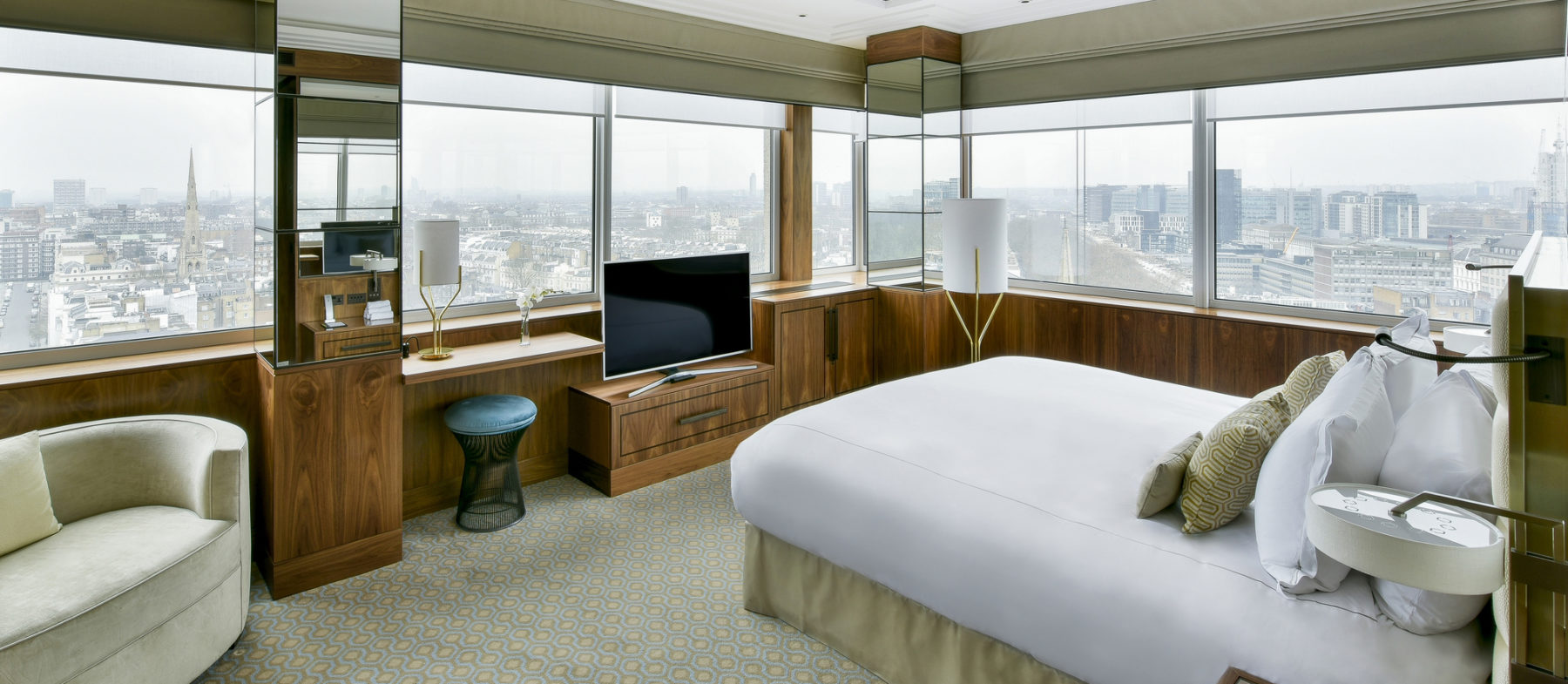Suite with a view near Lancaster Gate