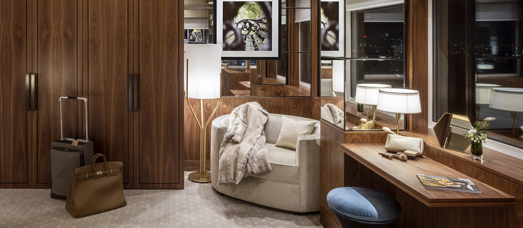 Signature Suite with view on London