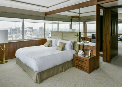 Luxury hotel with view on Hyde Park